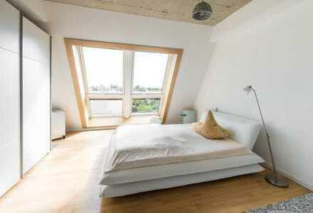 Wunderschöne, moderne Dachwohnung mit sehr großer Dachterrasse an der Oberbaumbrücke