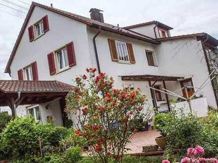 Großzügig Wohnen in sonnendurchflutetem, geräumigem Haus mit 8 Zimmern in Offenburg-Fessenbach