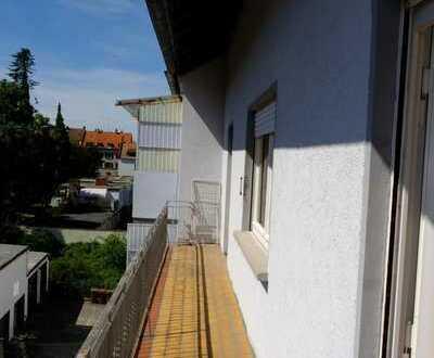 Nähe Schuhfachschule, TU, Bahnhof, Zentrum: Schöne 3 -Zimmer-Wohnung, großer Balkon, Garten