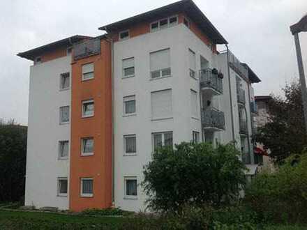 Großzügige 3 Zimmer-Whg. im OG mit Balkon