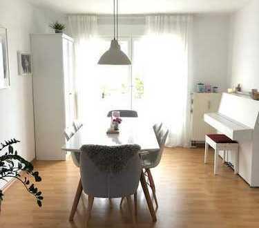 Stilvolle, sanierte 4-Zimmer-Wohnung mit Balkon und EBK in Pattonville (LUDWIGSBURG9