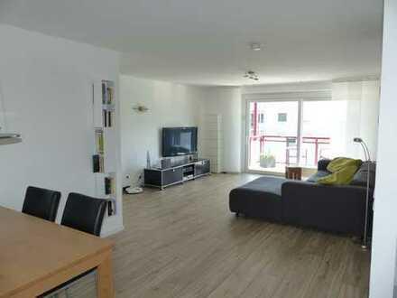 Stilvolle, gepflegte 5,5-Zimmer-Wohnung mit 2 Balkonen und EBK in Remseck am Neckar / Pattonville