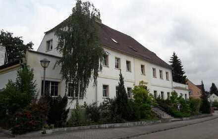 Bild_offene Wohnküche im DG in Neuzelle, 2 Zimmer ca. 68 m² mit Garage auf dem Hof