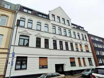 4 Zimmer Mietwohnung mit Balkon im 1.OG in zentraler Lage