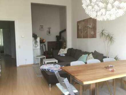 Sonnige 3-Zimmer-Wohnung mit 2 Balkonen in Schwachhausen
