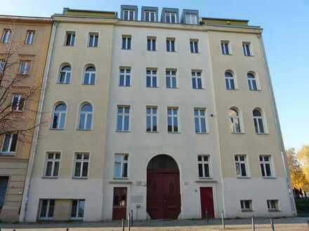 Großzügige 3-Zimmer- Wohnung in historischer Citylage