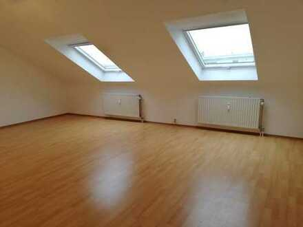 ++wunderschöne 2 ZKB Dachgeschoss-Wohnung mit Dach-Loggia++