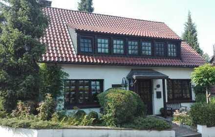 Freistehendes Ein- / Zweifamilienhaus in Essen-Kupferdreh mit viel Platz für eine große Familie