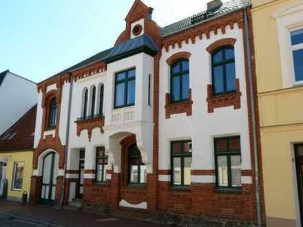 Kernsaniertes, denkmalgeschütztes Haus im Stadtzentrum von Laage