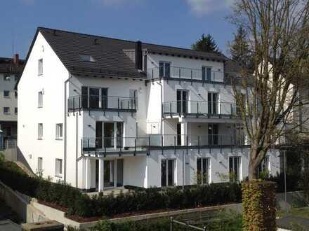 Stilvolle, vollständig renovierte 4-Zimmer-Wohnung mit Balkon und EBK in Wiesbaden