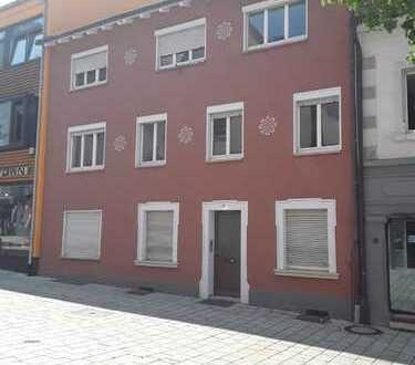 WG-Dachwohnung,Pauschalmiete, möbliert mit 3 Schlafzimmern in der Fußgängerzone von Pfullendorf