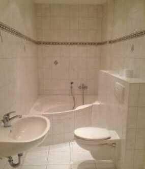 schöne 3-Zimmer-Maisonette-Wohnung im 1./2.OG mit Wanne, Dusche, Gäste-WC und 2 Balkonen in Plauen