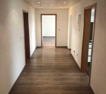 Vollständig renovierte 3-Zimmer-Wohnung mit EBK in Landau an der Isar