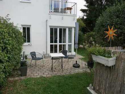 ** Zwei Zimmer Gartenwohnung mit Terrasse * Lerchenau * ruhig & hell * zum 1. Juli oder früher **