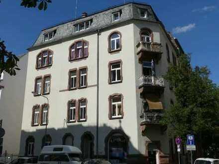 charmanter Stil-Altbau mit 10 Einheiten in Frankfurt-Bockenheim