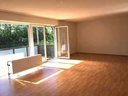 Sonnendurchflutete 3 Zimmer Wohnung in toller Lage von Oggersheim