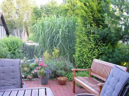 WG-Zimmer im Einfamilienhaus mit Garten
