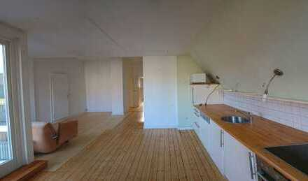 Sanierte 3,5 Zimmer-Wohnung mit Balkon und EBK in Bielefeld