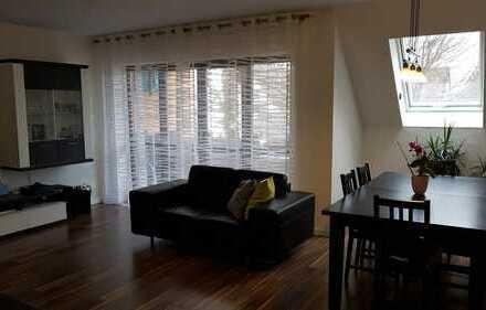 Helle 4-Zimmer-Maisonette-Wohnung mit Westbalkon und EBK in Augsburg