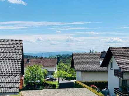 Vollständig renovierte Wohnung mit drei Zimmern sowie Balkon und Einbauküche in Ühlingen-Birkendorf