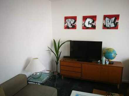 Attraktive und helle 2-ZKB- Wohnung mit Balkon in sehr ruhiger Lage