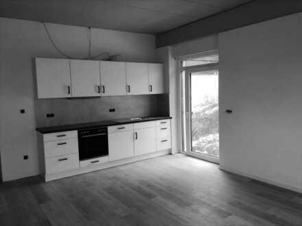 Lichtdurchflutete, top sanierte und sofort bezugsfreie 4-Zimmer-Wohnung (W13)