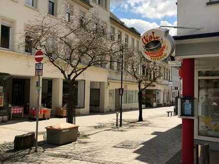 Moderne Maisonette-Wohnung in der Fußgängerzone im Stadtteil Idar