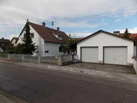 Sanierungsbedürftige Doppelhaushälfte mit dem gewissen Extra