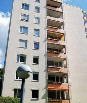 sehr schöne 4 Zimmer Penthouswohnung Hochhaus in Böblingen