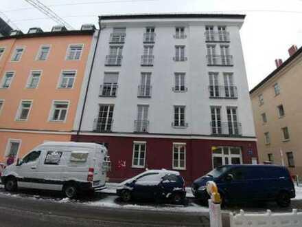 Stilvolle, geräumige vier Zimmer DG-Etagenwohnung in München, Ludwigsvorstadt-Isarvorstadt