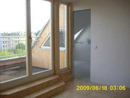 *Dachgeschoss-Wohnung*3 Zimmer*Terrasse*