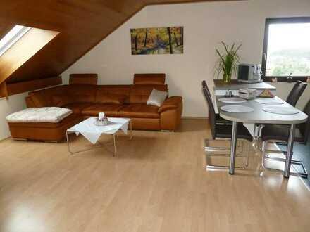Modernisierte 2-Zimmer-Dachgeschosswohnung mit Einbauküche in Pirmasens