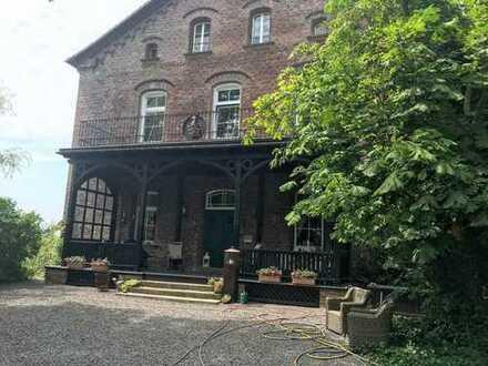 Wohnen im Gutshaus in Breckerfeld in traumhafter 6 Zimmer-Wohnung