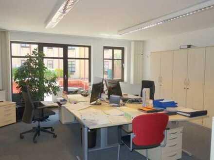 MOERS-ZENTRUM - Helle, freundliche Büro-/Praxisräume mit 4 PKW-Stellplätzen