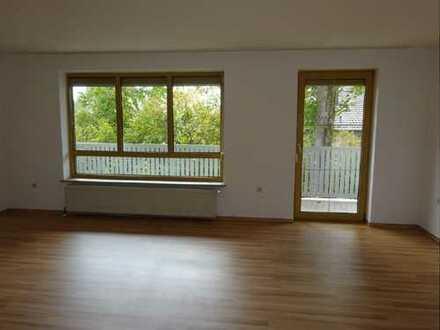 Gepflegte Wohnung im Obergeschoss mit vier Zimmern und Balkon in Ortenburg (Kreis Passau)
