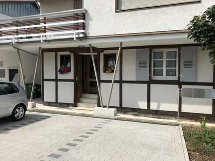 Viel Platz für Familie / Büro - großzügige 6-Zimmer-Wohnung