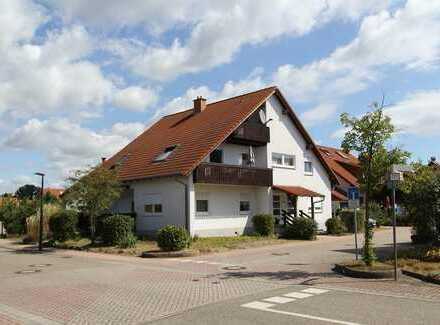 Großzügiges Zweifamilienwohnhaus mit Ausbaureserve in bevorzugter Wohnlage