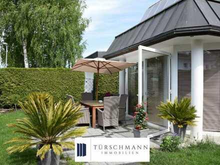 Endlich genug Platz - Schönes freistehendes Haus mit Garten, Indoor-Pool und Wellnessbereich