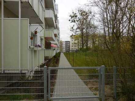 3-Raum-Wohnung mit Balkon in Zentrumsnähe - Parken vor der Tür