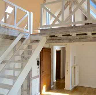 FRIEDERICH: Aussergewöhnliche Dachgeschosswohnung mit Turm im beliebten Aachener Südviertel