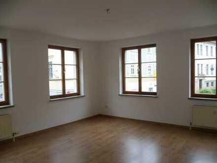 Sehr helles 23qm²-Zimmer neben Anna Amalia Bibliothek in Zweier-WG