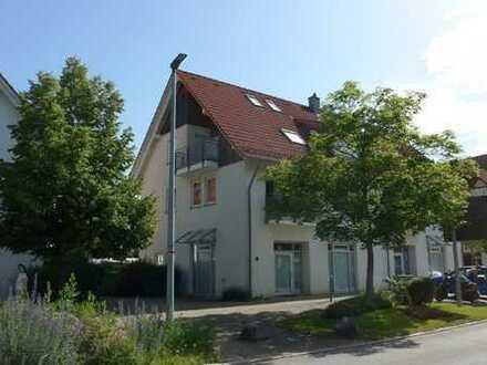 Sehr gepflegte 3 Zimmer Dachgeschosswohnung mit ausgebautem Dachspitz.