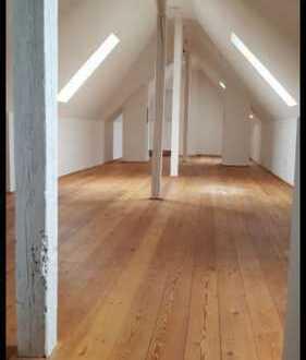 Gepflegte 4-Zimmer-Maisonette-Wohnung mit Balkon und Einbauküche in Durlach-Aue