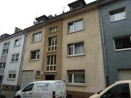 Renovierte 2 Zimmer - Terrassen - Wohnung ... mit Gäste WC