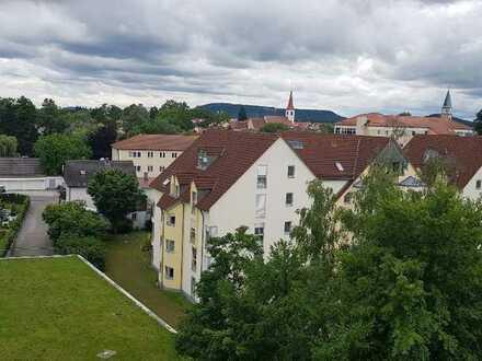 Stilvolle, gepflegte 3-Zimmer-Wohnung mit Balkon in Neumarkt in der Oberpfalz (Kreis)