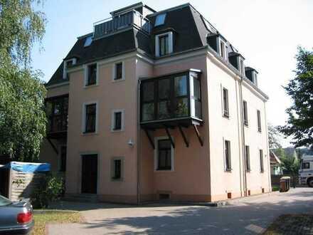 2 Zimmerwohnung in einer Mehrfamilien-Villa in Lockwitz