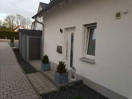 Große und Traumhafte Doppelhaushälfte im Neubaugebiet von Bindlach zu vermieten