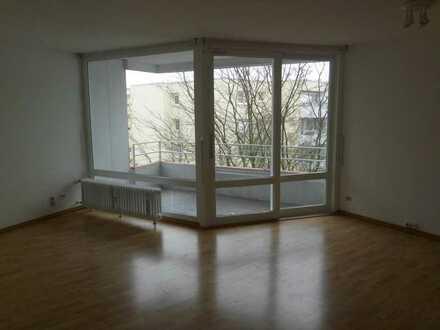 Stilvolle, modernisierte 1-Zimmer-Wohnung mit Balkon und Einbauküche in Heidelberg