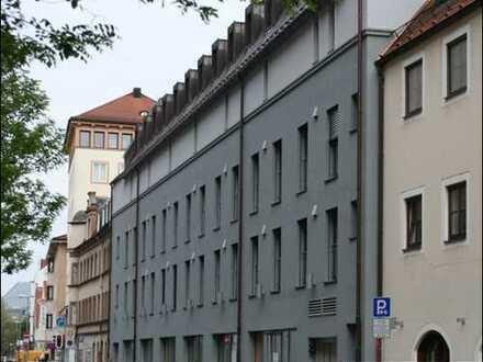 Mitten im pulsierenden Leben; Ingolstadt Stadtmitte