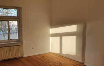 Modernisierte 2-Raum-Wohnung mit Einbauküche in Nauen